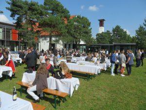 90 Jahre St. Matthias: Mittagessen auf dem Campus der Schule (I)