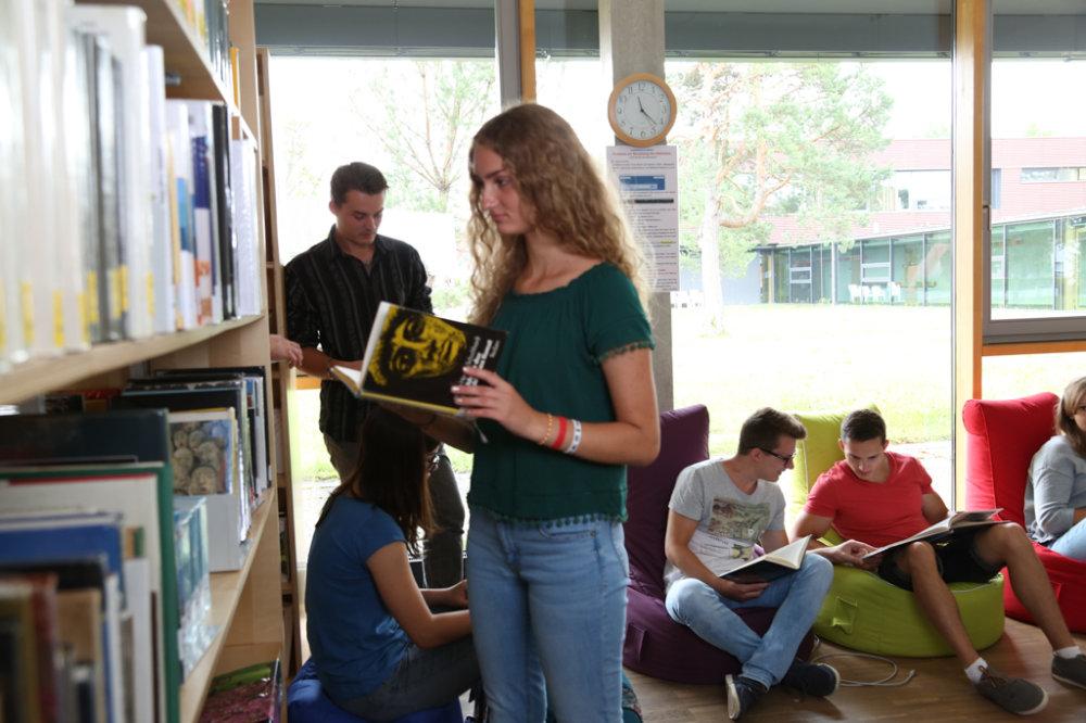 Die Bibliothek der Schule wird zentraler Ort der Lesenacht sein.