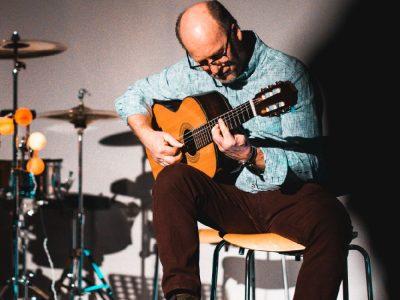 Simon Fritz präsentierte virtuos zwei Instrumentalstücke (Foto: Schlott)