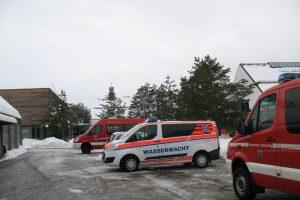 Freiwillige Feuerwehren aus mindestens vier Orten aus dem Umland von München sind nach Waldram gekommen. (Fotot: Erhard)